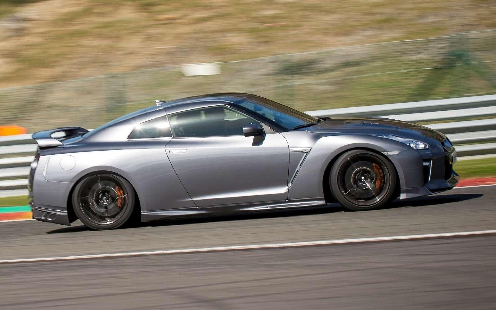 В России начался прием заказов наобновленный Nissan GT-R— фото 605963