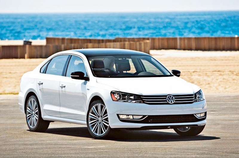 Passat-Sport-front-three-quarter