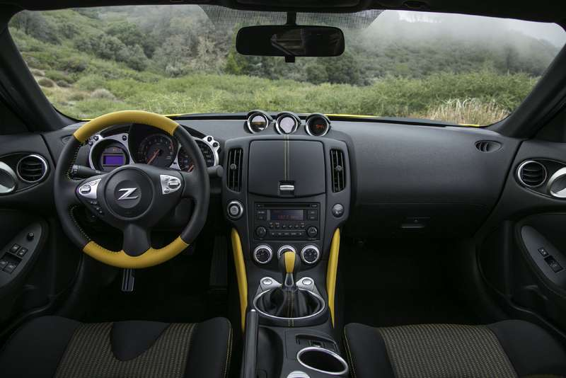 Ниссан обновил спорткар 370Z
