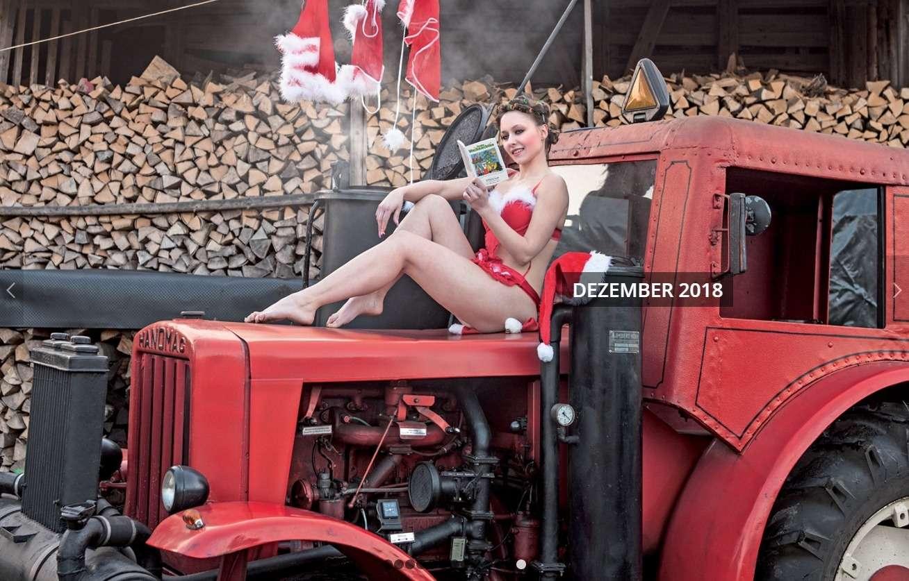 После пахоты: германские трактористки разделись кНовому году— фото 805967