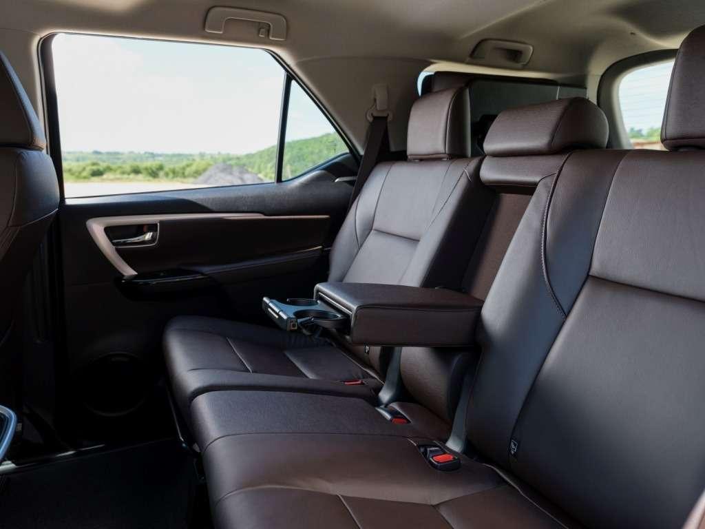 Toyota Fortuner вРоссии будет доступен только стурбодизелем— фото 779059
