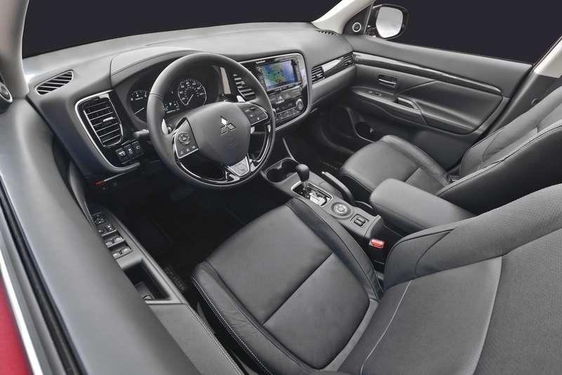 2016-Mitsubishi-Outlander-FL-35