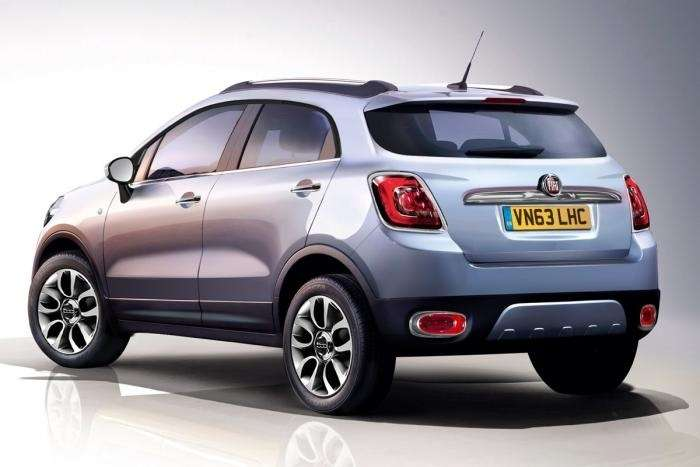 Fiat 500X rendering by Auto Express side-rear view_no_copyright