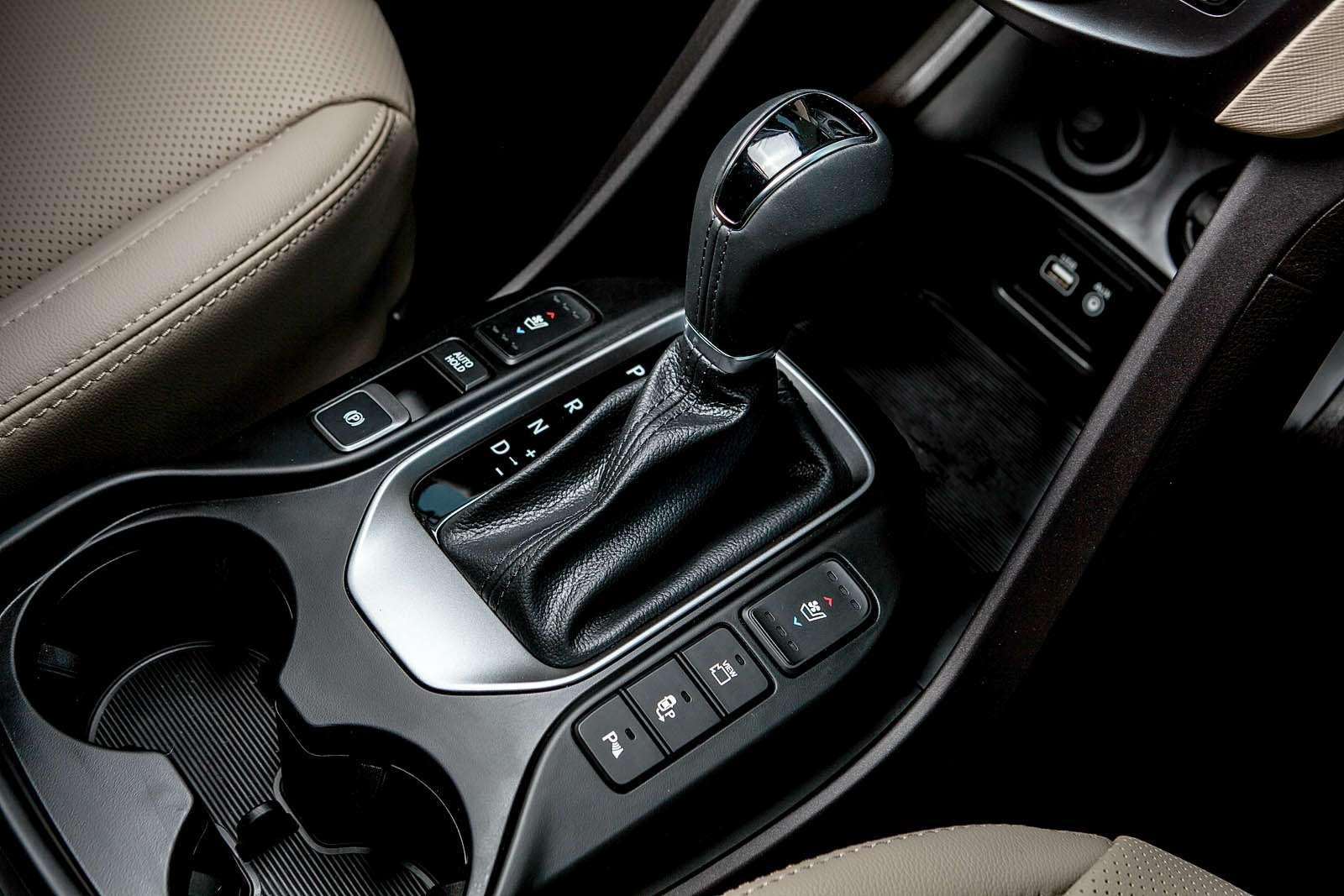 Обновленный Hyundai Grand Santa Fe: первый российский тест-драйв— фото 593795