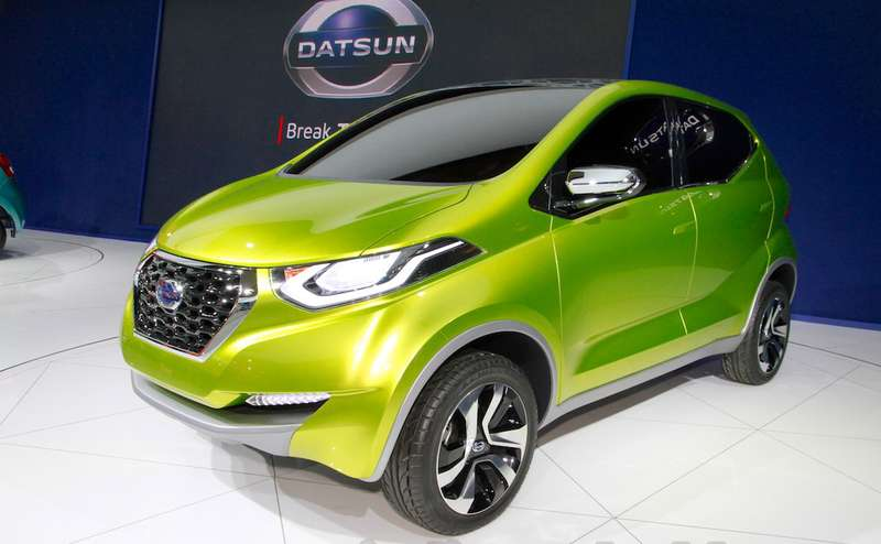 Datsun-redi-GO-at-the-2014-Indonesia-International-Motor-Show-front-quarter