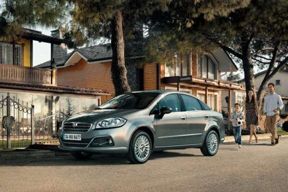 Fiat Yeni Linea side-front view 2