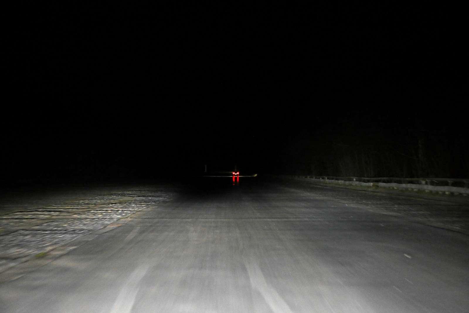 Супертест светодиодных фар: какая из10машин заглянет дальше?— фото 601094