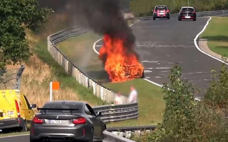 Самые зрелищные аварии Нюрбургринга: что скорость делает савтомобилями