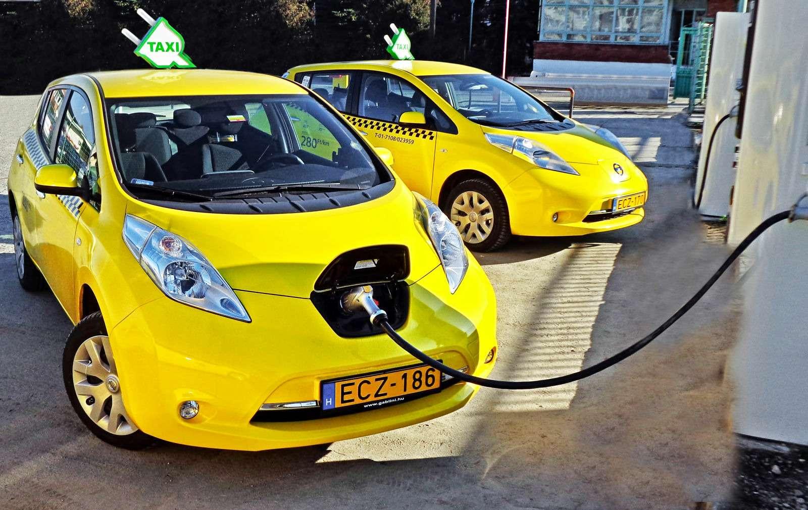 Такси-тест Tesla Model SP85: деньги изрозетки— фото 598033