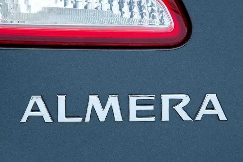 Nissan_Almera_logo