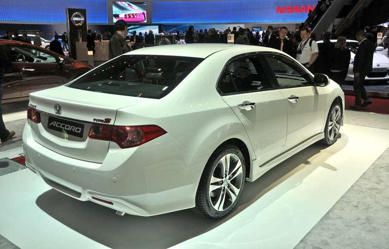 Honda-Accord_2011_04