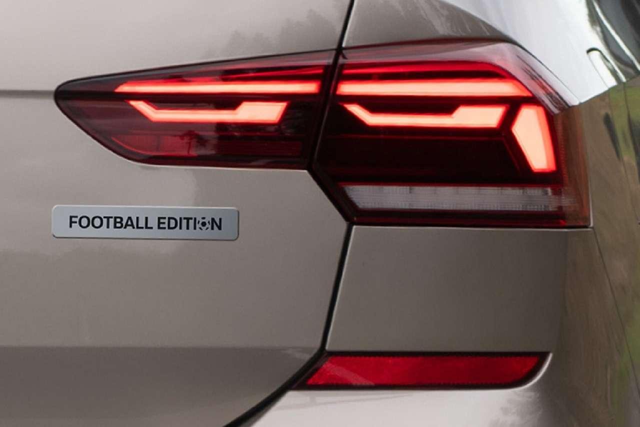 Volkswagen запустил прием заказов наPolo Football Edition— фото 1233119