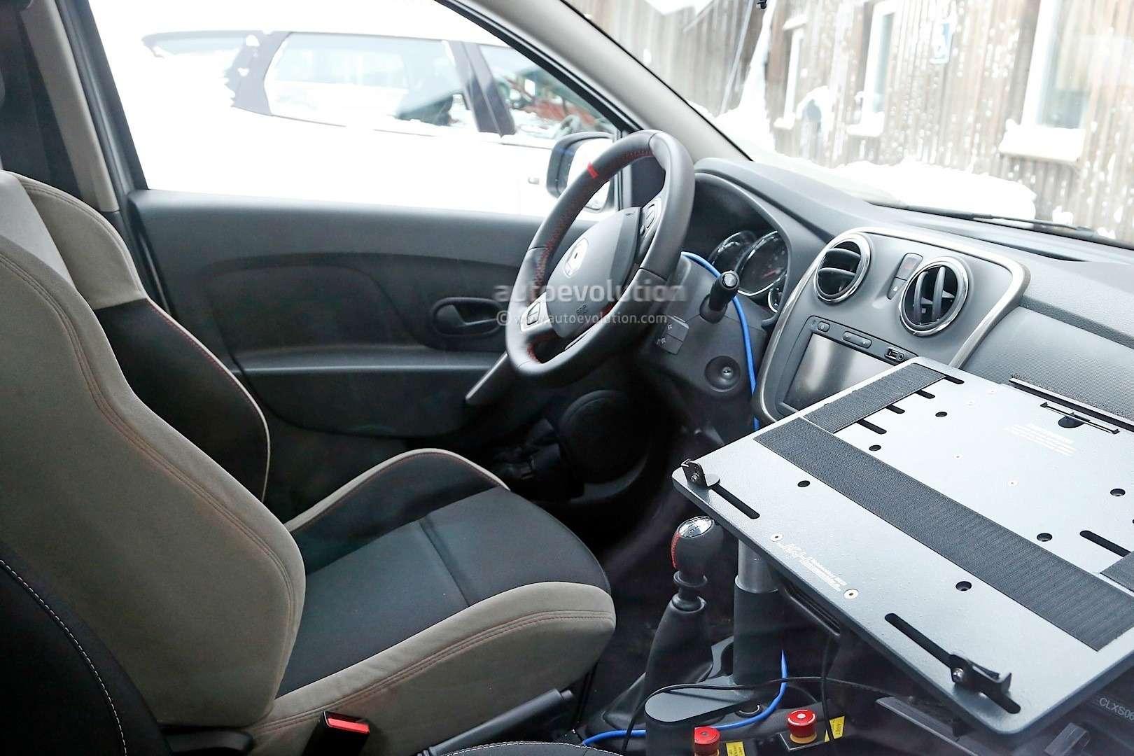 spyshots-dacia-sandero-rs-getting-12-turbo-engine-sportier-interior_8