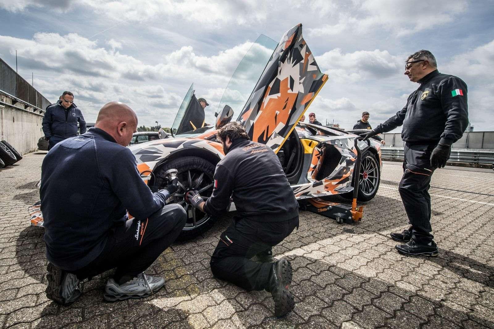 Lamborghini установила новый рекорд Нюрбургринга длясерийных машин— фото 890778