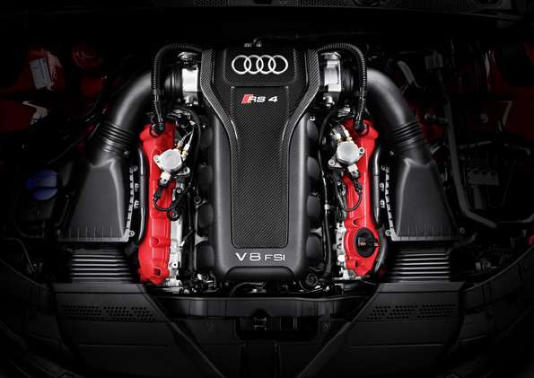 Audi RS4Avant /Motorraum