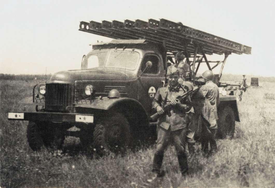 Установка БМ-13Н нашасси ЗиС-151 находилась навооружении Советской Армии до1980-х годов.