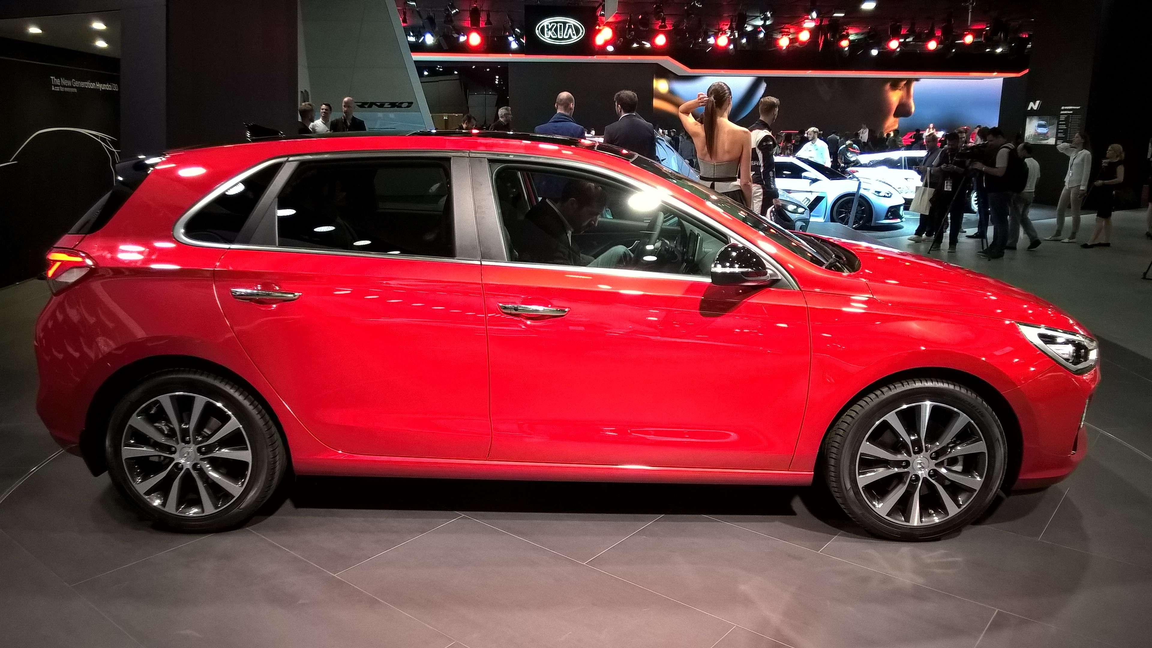 В тени концепта: вПариже дебютировал новый Hyundai i30— фото 642328