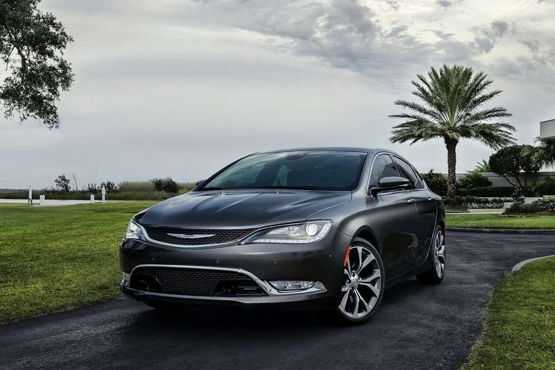 Chrysler-200_2015_1600x1200_wallpaper_10