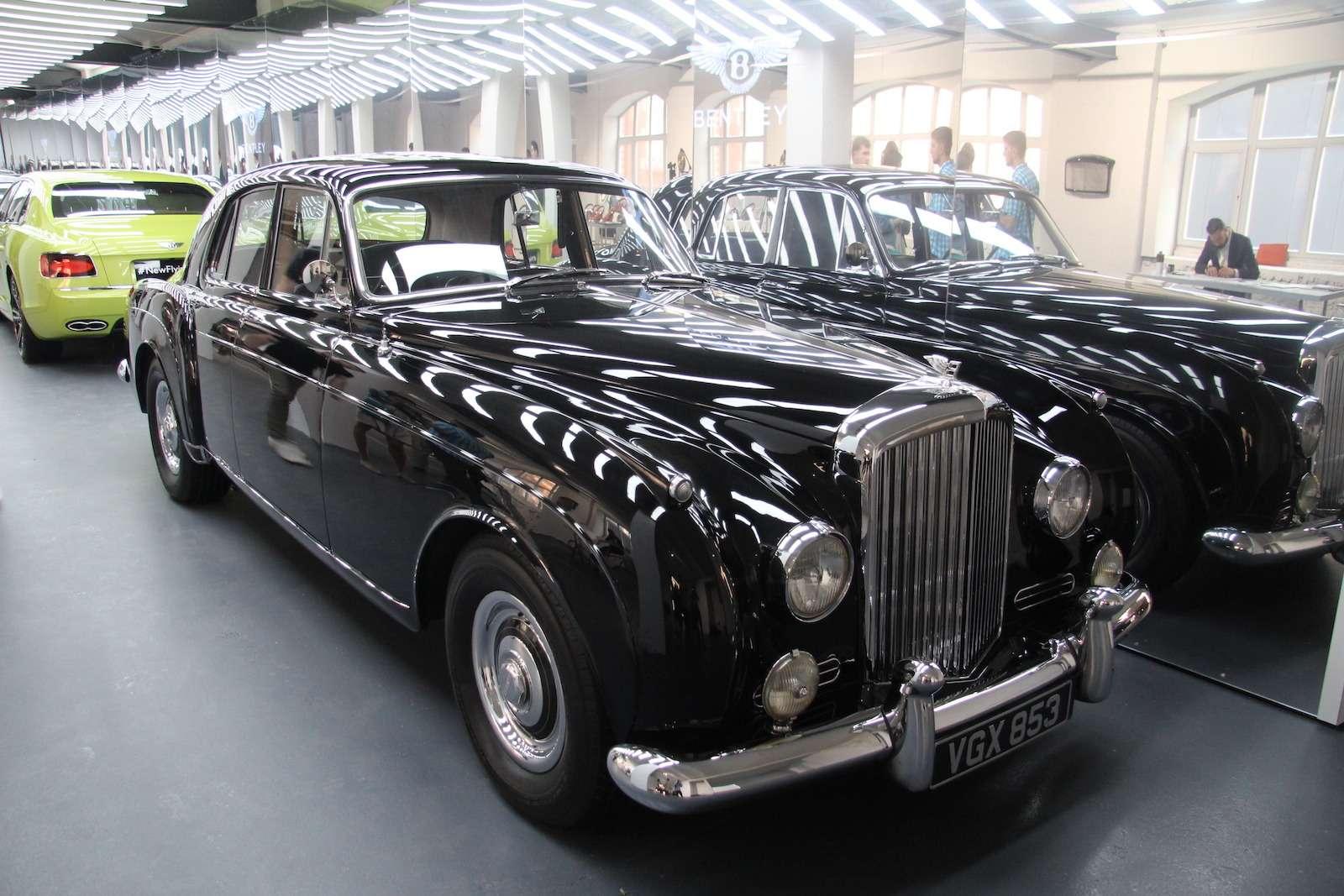 Bentley привезла вМоскву «экстраординарную» выставку— фото 593980