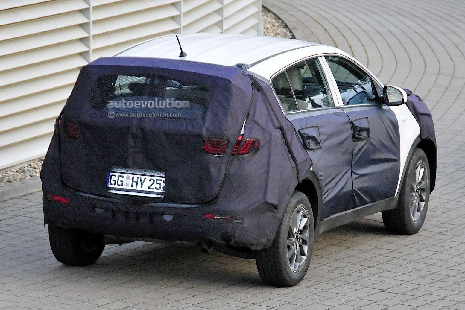 2016-kia-sportage-spied-for-the-first-time-photo-gallery_6