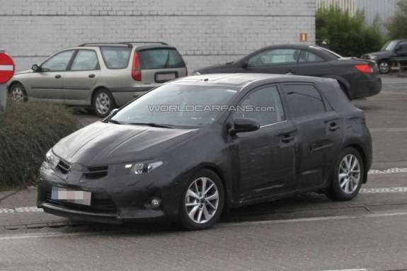 Toyota Auris test prototype side-front view