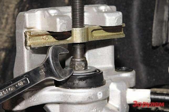 Приспособление для утапливания поршней тормозного цилиндра своими руками