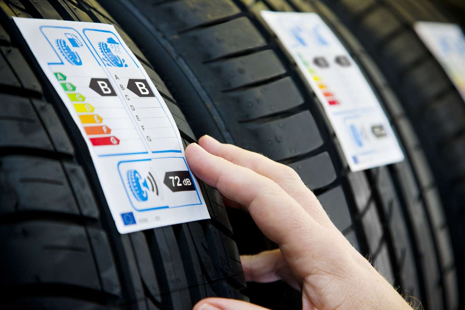 uploads-2014-03-20140319_no_copyright__gydu_close_up_of_generic_tire_label_in_dealership