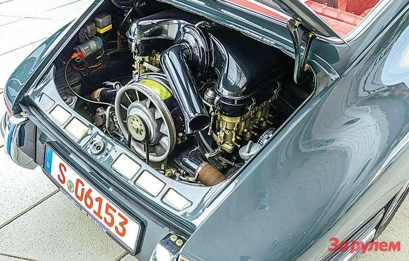 Porsche 911 Оппозитная 2-литровая «шестерка» своздушным охлаждением развивает 130 л.с.