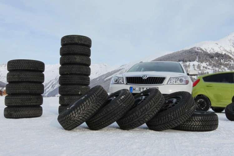 ADAC Winterreifentest_Ulrichen_SchweizDatum 26.-27.Januar 2011