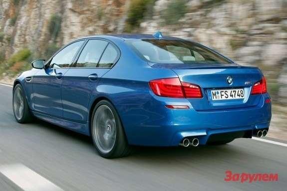 BMWM5side-rear view