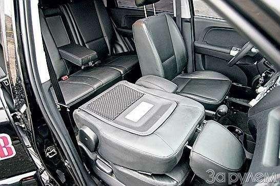 Тест Jeep Compass, Kia Sportage. Смешать, ноневзбалтывать— фото 70569