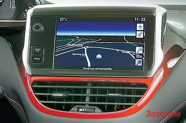 На7-дюймовый тачскрин можно вывести показания навигации. Там жеотображаются режимы трип-компьютера.