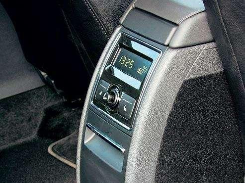 Тест Toyota Camry, Nissan Teana, Skoda Superb: Чудеса геополитики— фото 89502