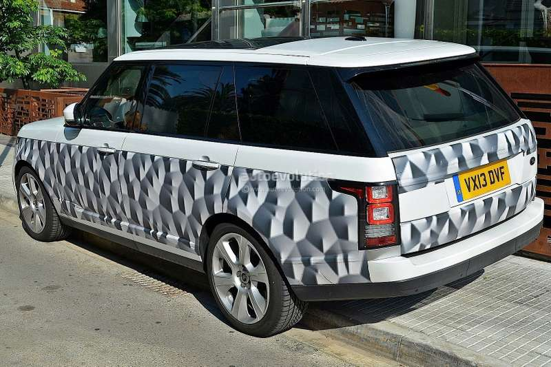 long wheelbase 2014 range rover spied with minimal camo 1080p 3 no copyright