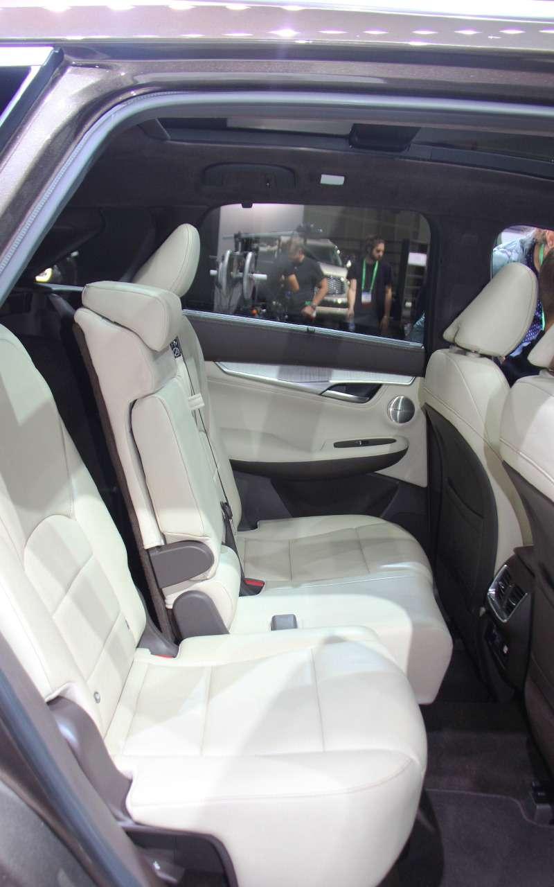Новая Camry идругие премьеры автосалона вЛос-Анджелесе— фото 821745