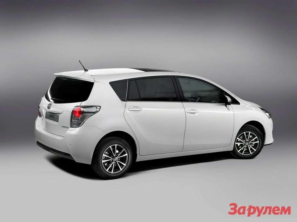 New_Toyota_Verso_04_2012