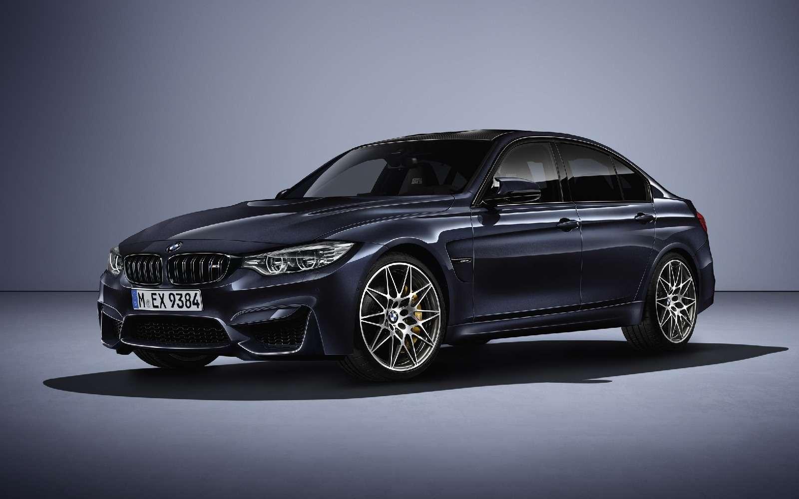 BMWM3отпразднует 30-летний юбилей с«лишними» дверьми— фото 593115