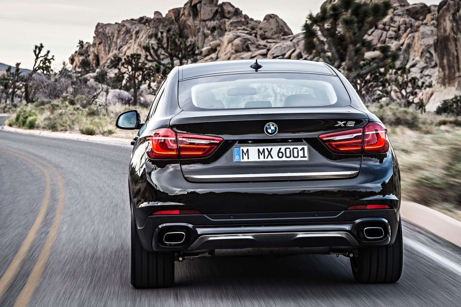 BMW-X6_2015_1600x1200_wallpaper_2f