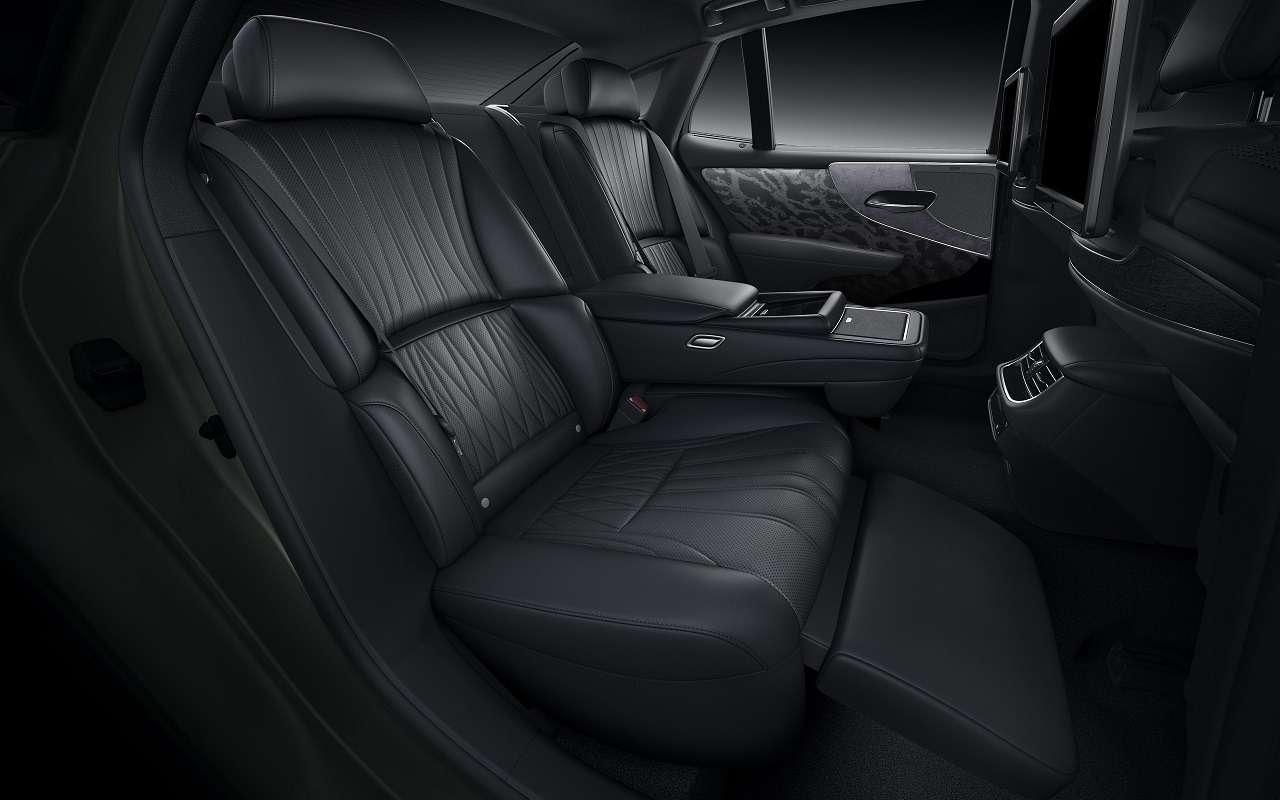 Lexus обновил флагманский седан LS— фото 1143875