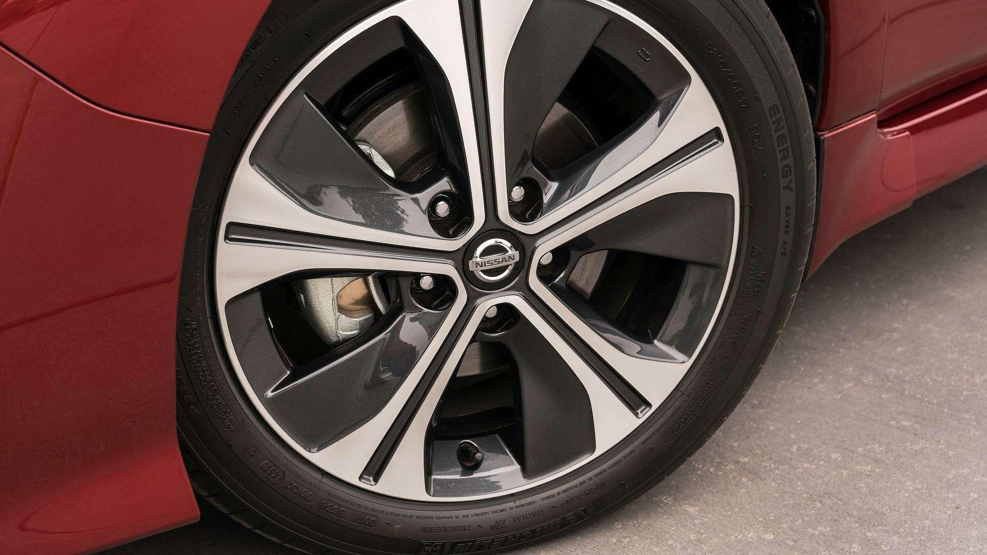 Nissan представил электромобиль дляРоссии— фото 791450