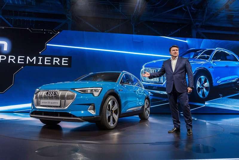 Audi e-tron quattro: два электромотора икамеры вместо зеркал