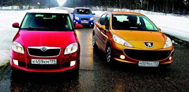 Peugeot 207, Chevrolet Aveo, Skoda Fabia: Кавалеры приглашают дам— фото 93076