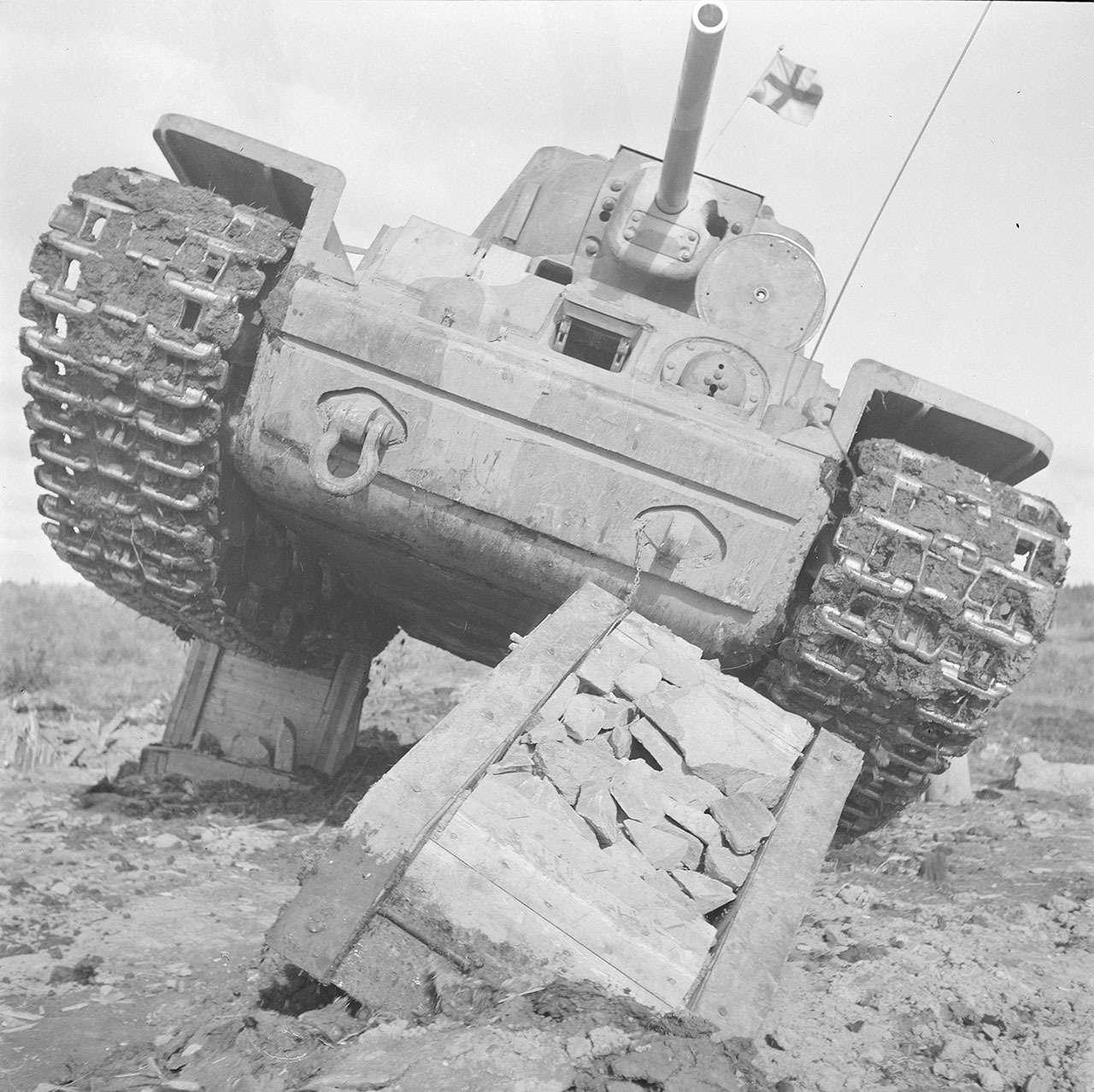 «Климент Ворошилов»— история танка, который встретил немцев— фото 1074542