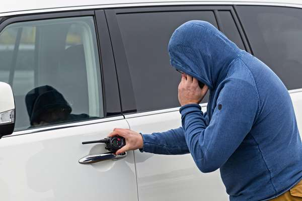 Защищаем авто отхакеров! 5способов взлома икак ихизбежать