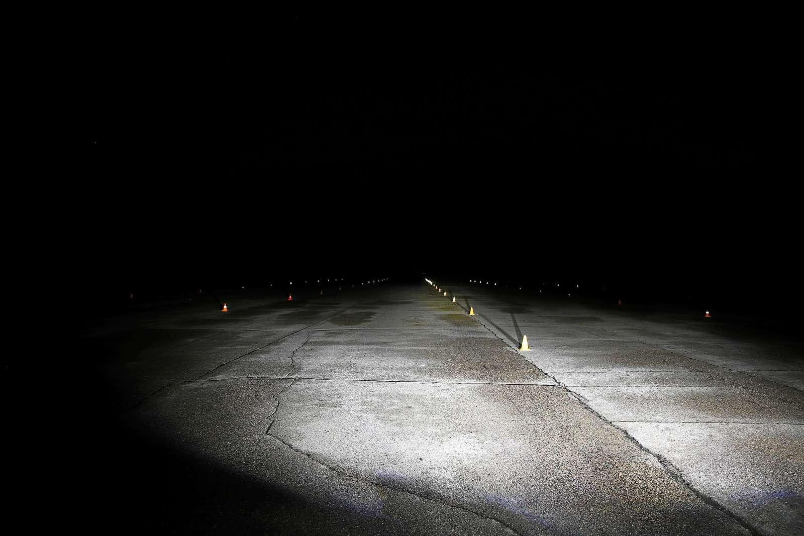 Супертест светодиодных фар: какая из10машин заглянет дальше?— фото 601249