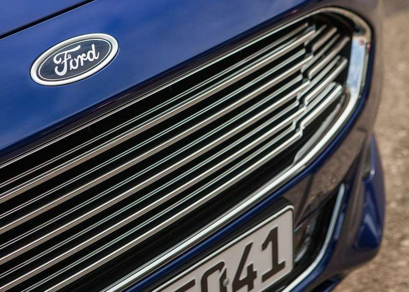 Ford-Mondeo_Wagon_2015_1280x960_wallpaper_4f