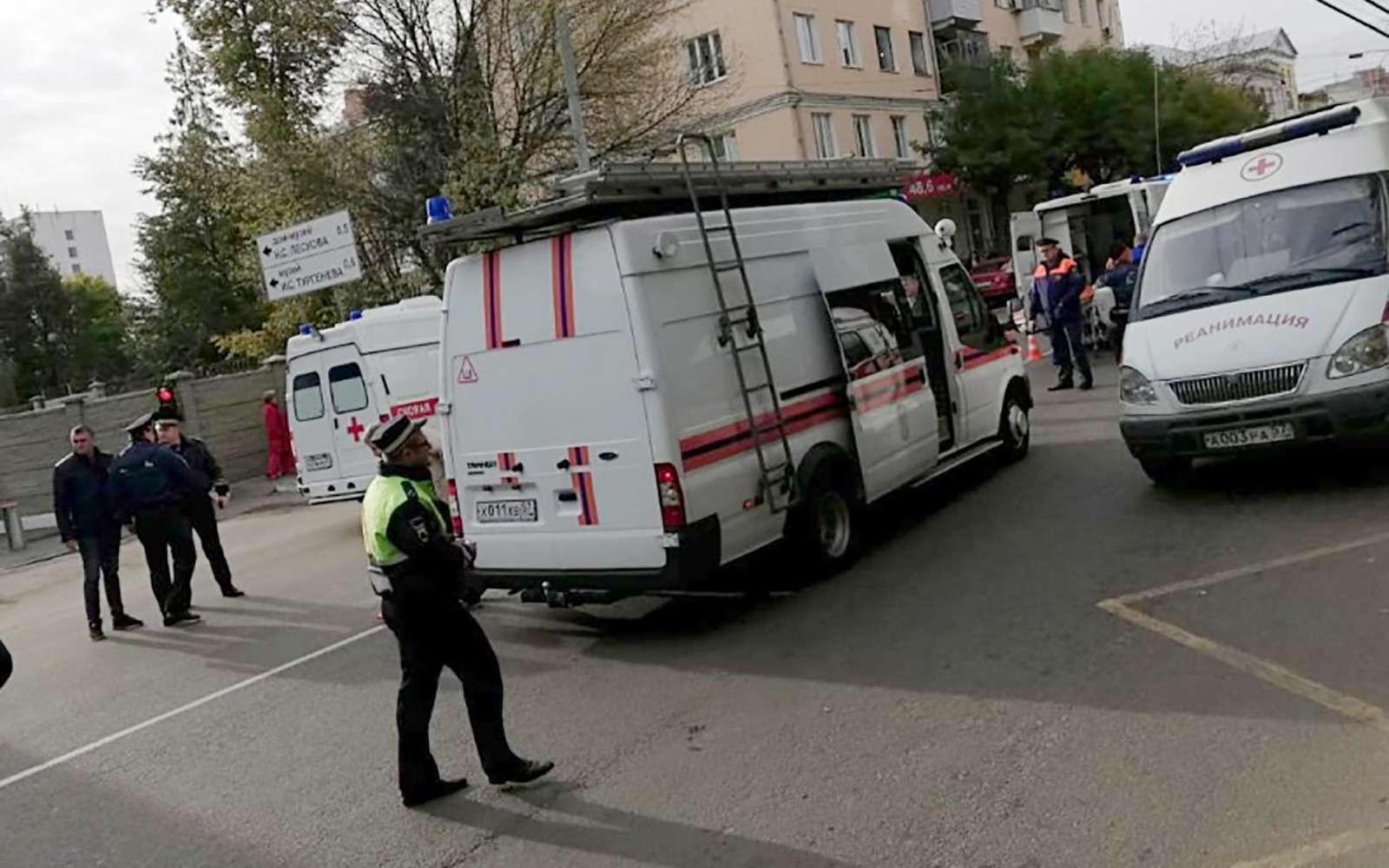 Троллейбус въехал востановку. Есть жертвы ипострадавшие— фото 912677
