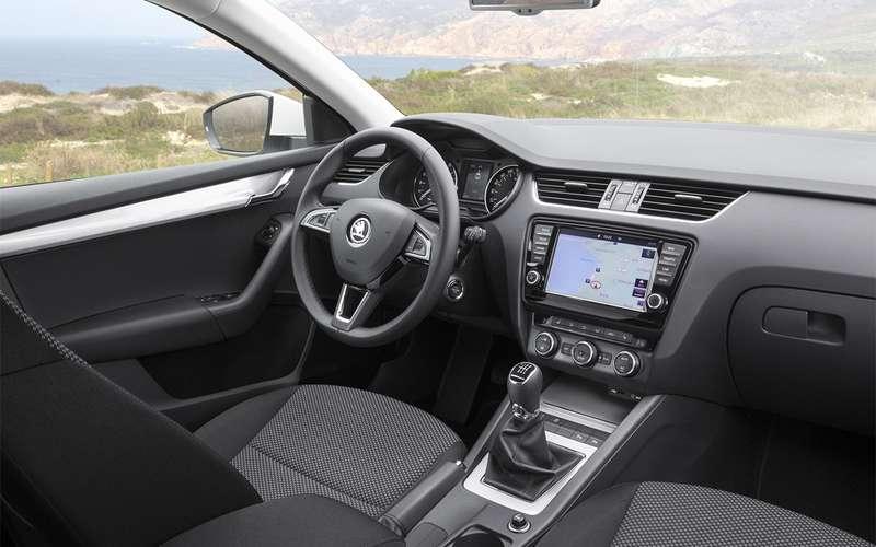 3 авто С-класса спробегом, которые дешевле икруче, чем новый Hyundai Solaris