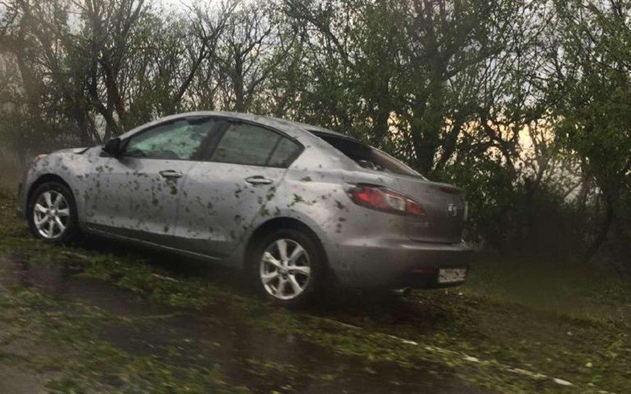 Разгул стихии: мощным градом побило сотни машин вКраснодарском крае— фото 883569