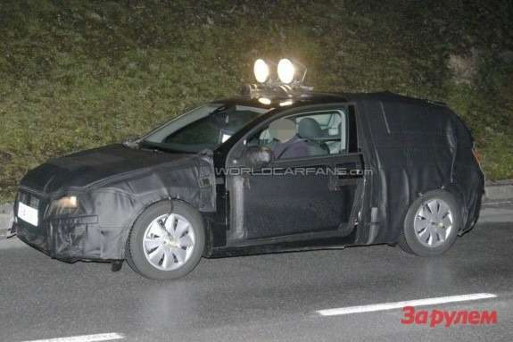New SEAT Leon test prototype side view